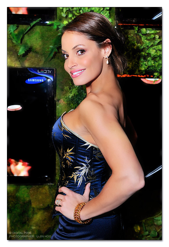 bellgala10 1 Hot Photo Of Trish Stratus at The Bell Celebrity Gala In Toronto