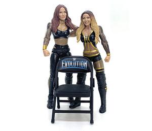 Closer look: Trish Stratus & Lita WWE Battle Pack